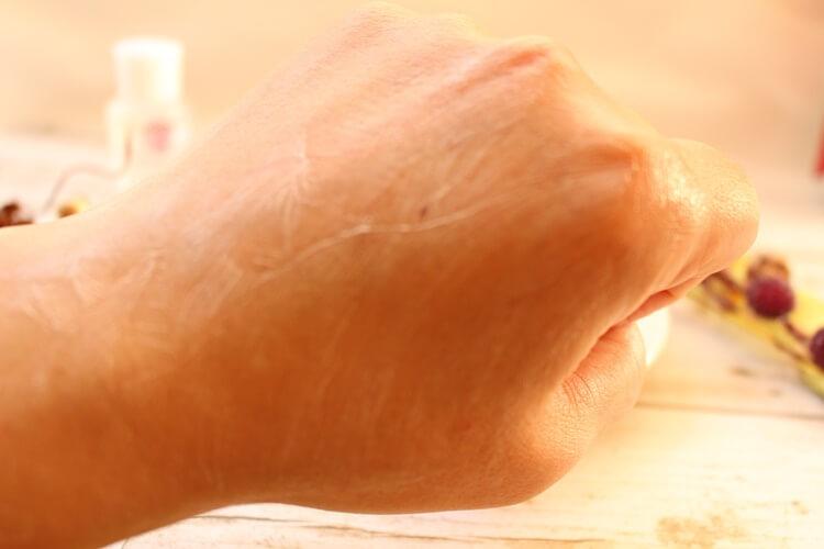 皮脂不足の肌におすすめ自然派化粧品coyori 濃密美容クリーム