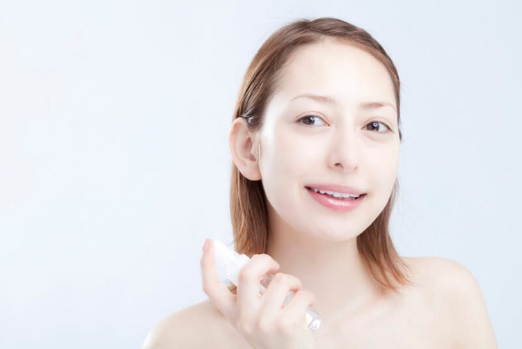 保湿化粧水の使い方,化粧水スプレーの使い方