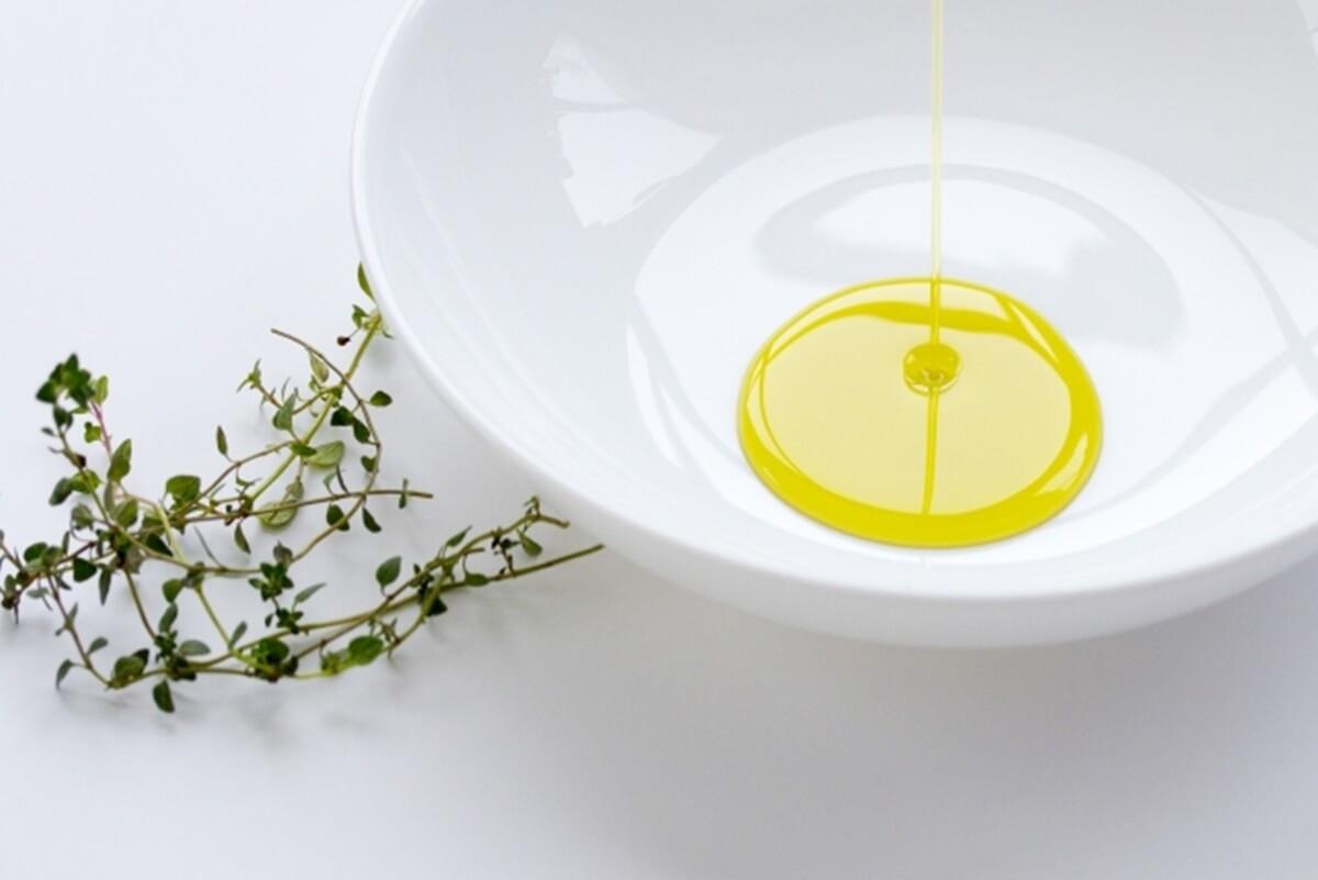 美白成分 リノール酸