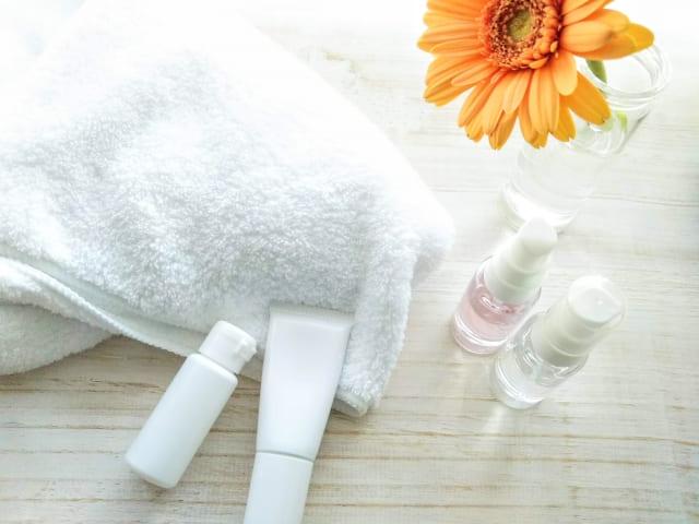 無印良品 美白化粧水ノーマル&高保湿の成分や使用感の違い